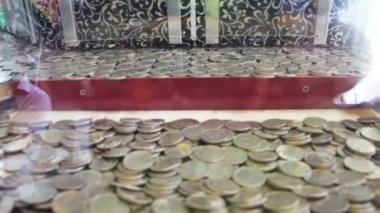 Spielautomat Münzen Fallen 45249
